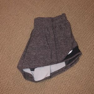 Lulu Lemon 2 1/2 inch hotty hot shorts